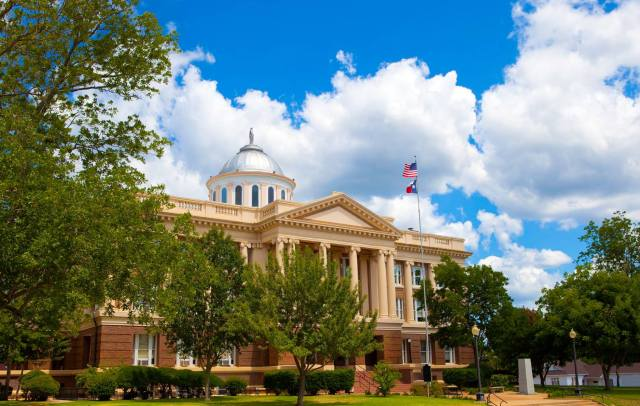 Here's one of Stuart's finest photos of the historic Anderson County Courthouse.